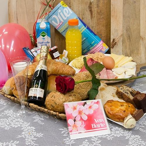 Verjaardagsontbijt Champagne (Personen: 4 personen)